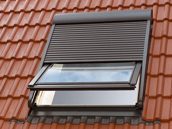 Persiana persiana by velux for Assistenza finestre velux roma
