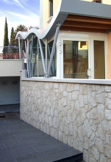 Rivestimento in pietra ricostruita per esterni vicentina for Case con facciate in pietra