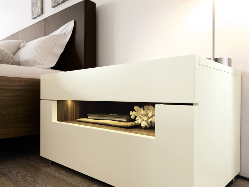 Lacquered bedside table with built-in lights ELUMO II | Bedside table - Hülsta-Werke Hüls