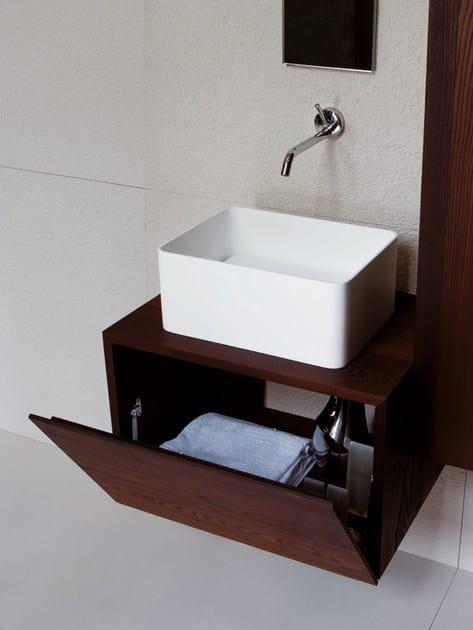 Mobile bagno sospeso in frassino faraway mobile bagno for Kos arredo bagno