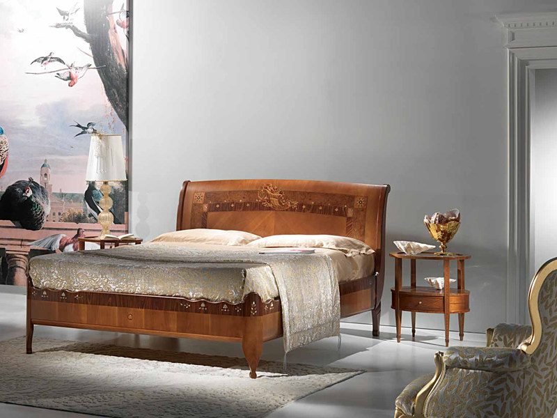 Cherry wood double bed CORNUCOPIA by Carpanelli Classic
