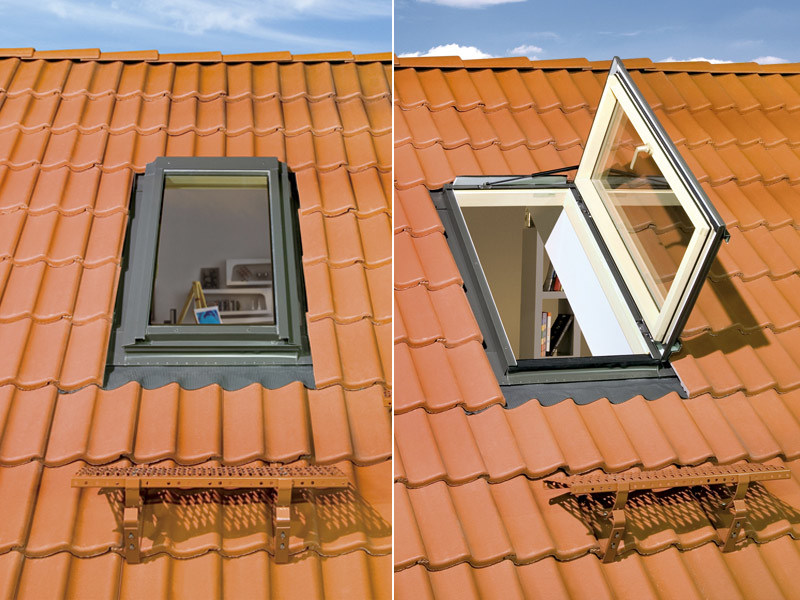 Side hung escape windows Lucernario termoisolante FWR U3 - FWL U3 by FAKRO