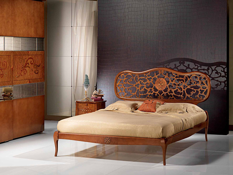 Wooden double bed NOVECENTO | Wooden bed - Carpanelli Classic