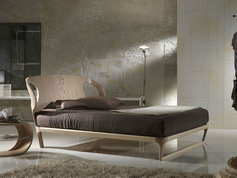 Wooden double bed IRIDE | Wooden bed - Carpanelli Contemporary