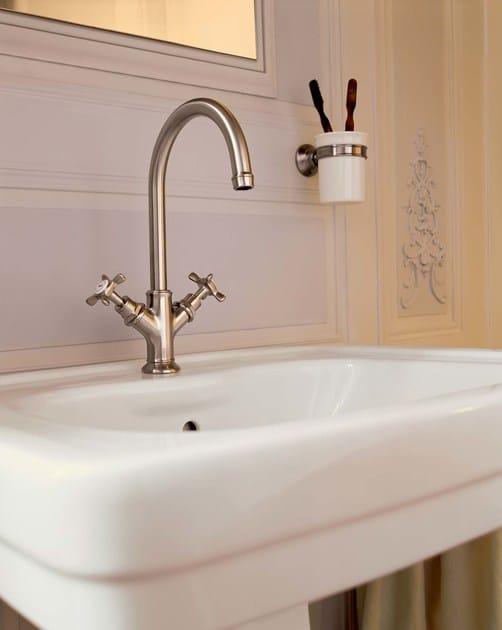 rubinetto per lavabo monoforo in ottone axor montreux rubinetto per lavabo in stile classico. Black Bedroom Furniture Sets. Home Design Ideas
