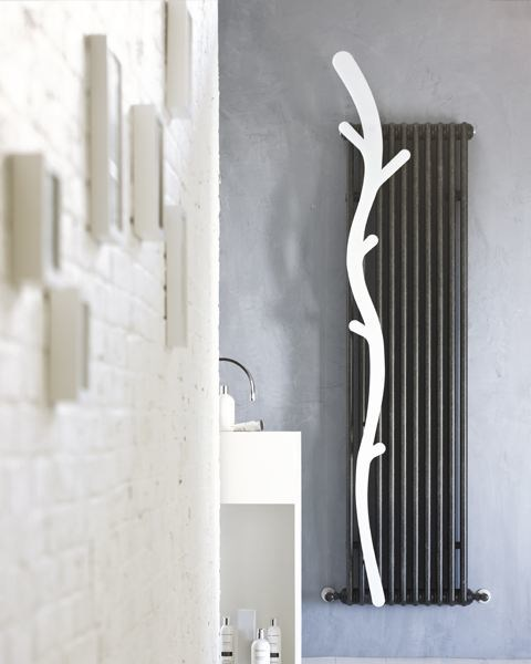 Wall-mounted steel towel warmer TESI AVENUE - IRSAP