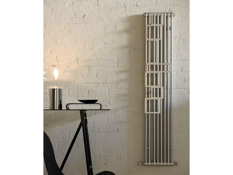 Wall-mounted steel towel warmer TESI SQUARED - IRSAP