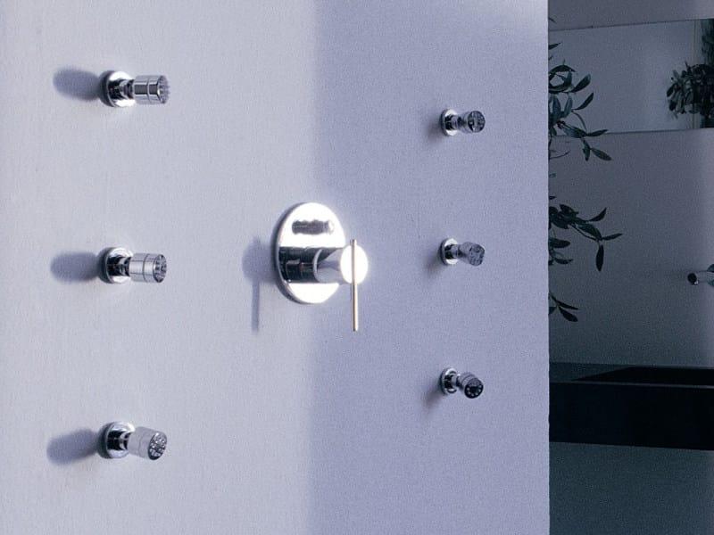 spin mitigeur de douche by zucchetti design raul barbieri. Black Bedroom Furniture Sets. Home Design Ideas