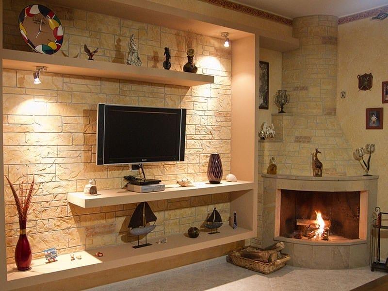 Parete pietra pareti in pietra con travi with parete - Parete salotto in pietra ...
