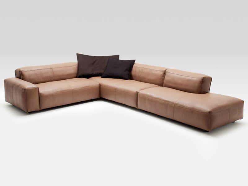 ecksofa aus leder mio by rolf benz design norbert beck. Black Bedroom Furniture Sets. Home Design Ideas