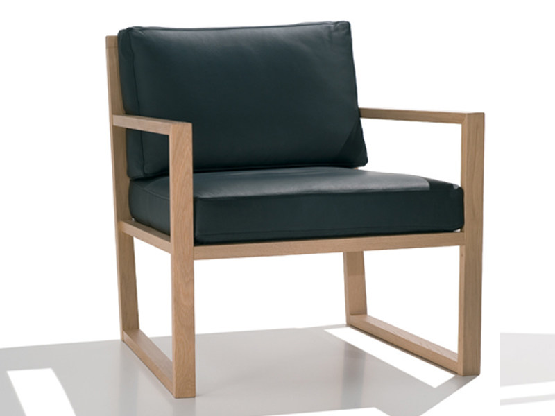 Sled base upholstered easy chair with armrests ZISA | Easy chair - Andreu World