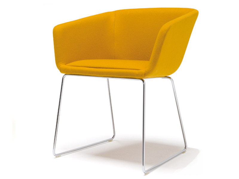 Sled base upholstered chair with armrests NANDA CONFORT | Sled base chair by Andreu World