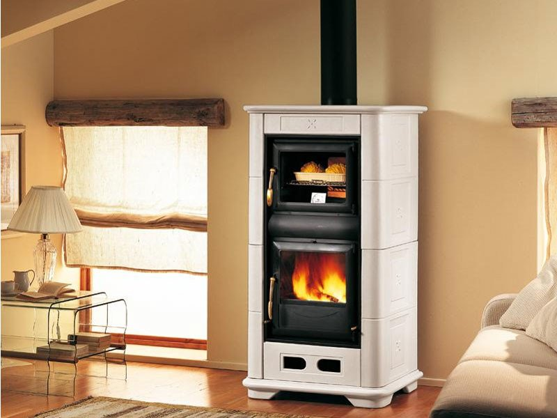 Wood-burning stove with Oven for air heating E900 M | Wood-burning stove - Piazzetta