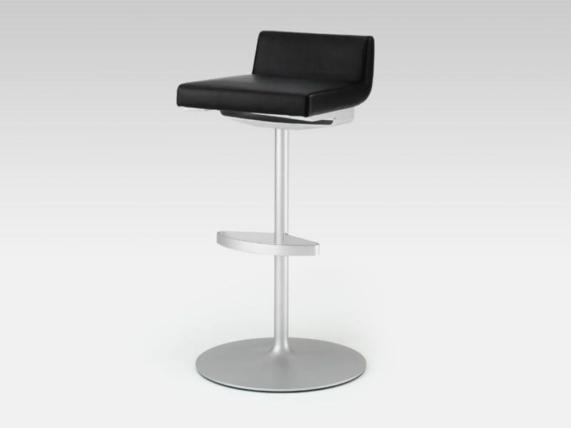drehbarer barhocker aus leder kollektion rolf benz 620 by rolf benz design norbert beck. Black Bedroom Furniture Sets. Home Design Ideas