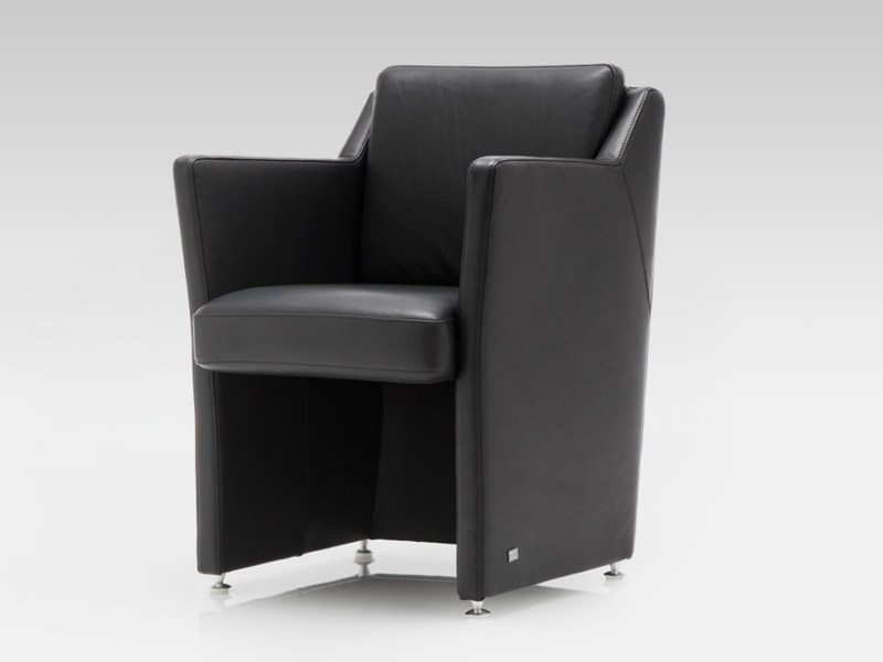 gepolsterter loungesessel aus leder rolf benz 7100 by rolf. Black Bedroom Furniture Sets. Home Design Ideas
