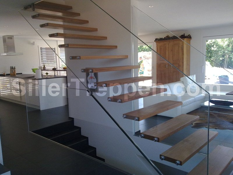 Self supporting wooden Open staircase MISTRAL EXTRA WHITE GLASS by Siller Treppen