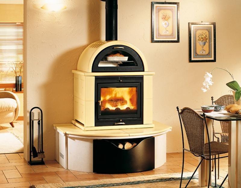 Mo1mf stufa con forno by piazzetta for Stufe a legna immagini