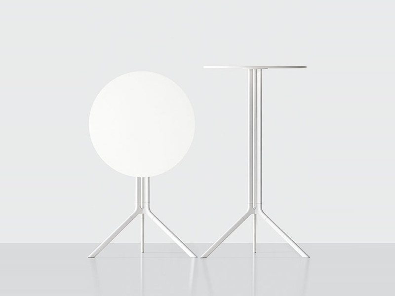 Folding round coffee table POULE | Round coffee table - Kristalia