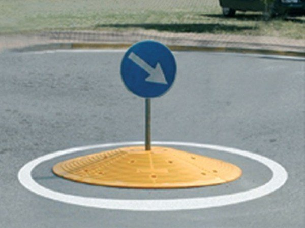 Traffic divider barrier, speed hump SG140 by Lazzari