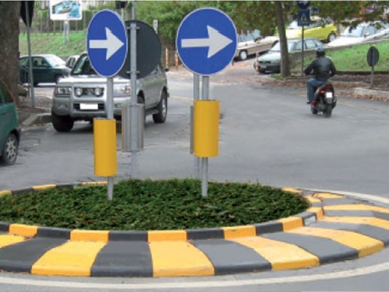 Traffic divider barrier, speed hump Rotatoria mobile - Lazzari
