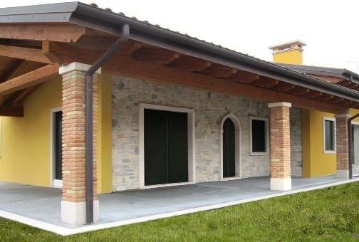 Rivestimento in pietra ricostruita per esterni garda - Rivestimenti esterni casa ...