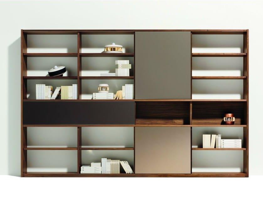 Open freestanding wooden bookcase CUBUS | Bookcase - TEAM 7 Natürlich Wohnen