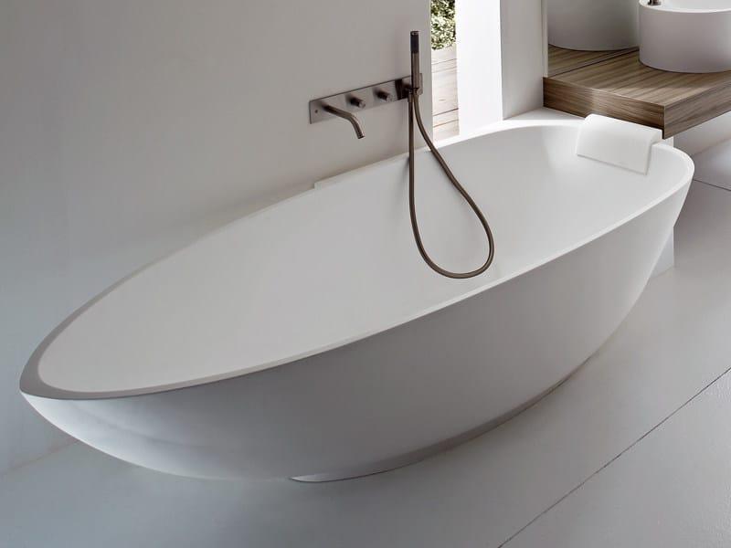 Vasca da bagno angolare ovale in Korakril™ BOMA | Vasca da bagno ...