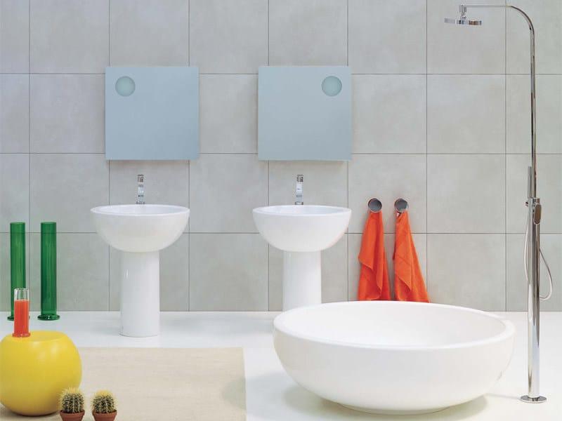 Vasca da bagno centro stanza in pietraluce con doccia fontana ceramica flaminia - Vasche da bagno centro stanza ...