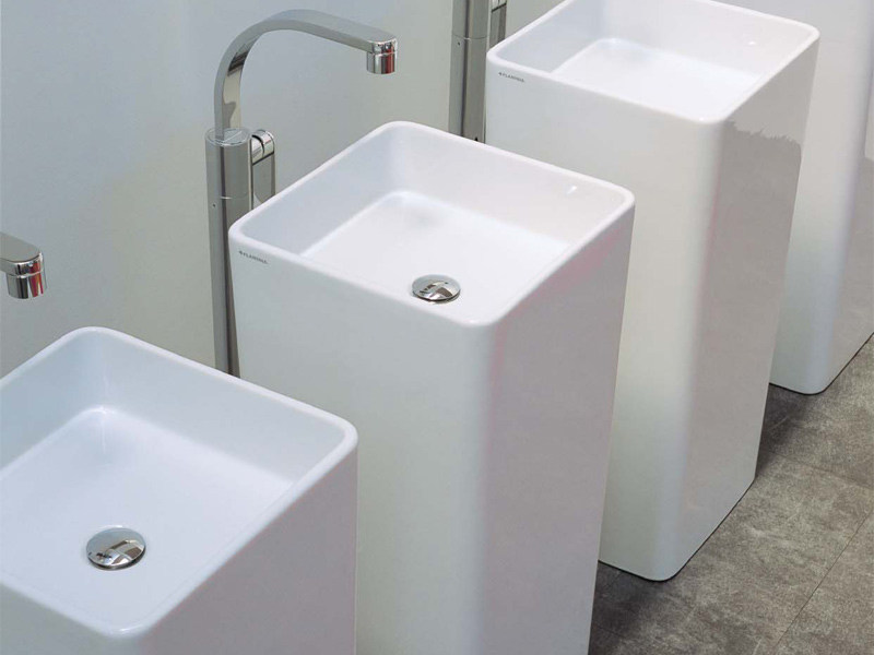 Freestanding square single washbasin MONOWASH by CERAMICA FLAMINIA design Giulio Cappellini