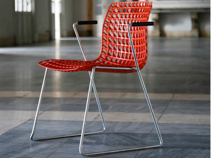 Sled base stackable chair MOIRÈ | Sled base chair by Movisi