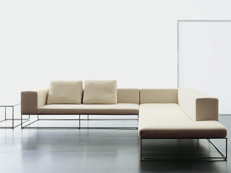 Ile divano by living divani design piero lissoni for Divano 100 euro