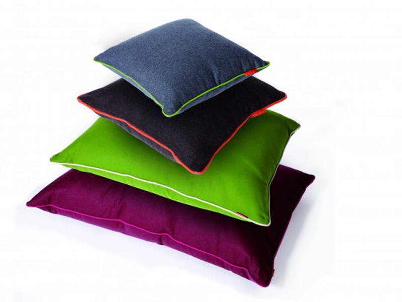Recycled material floor cushion BUZZIBAG by BuzziSpace
