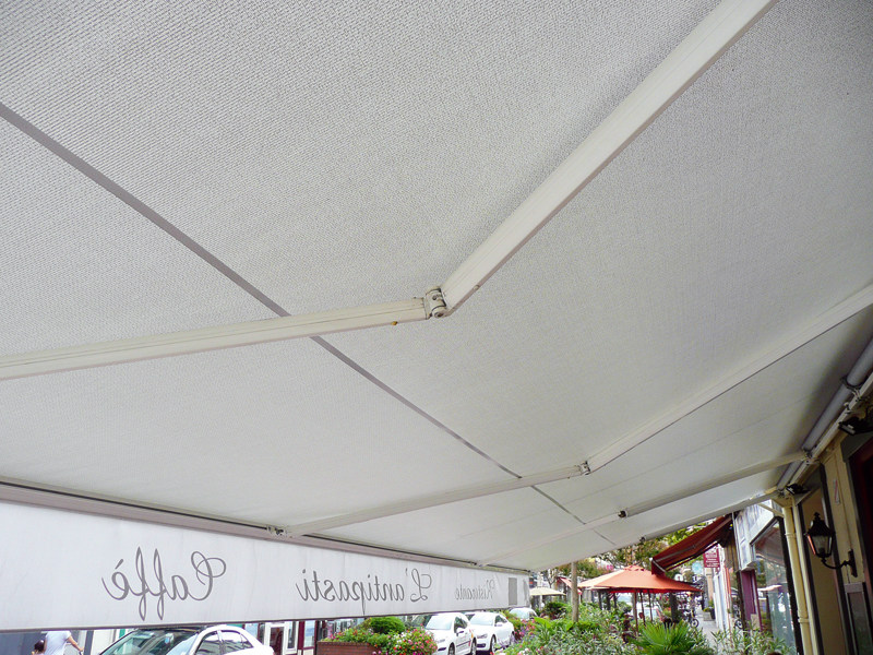 Outdoor blind / Awning SOLTIS W96 - SERGE FERRARI®