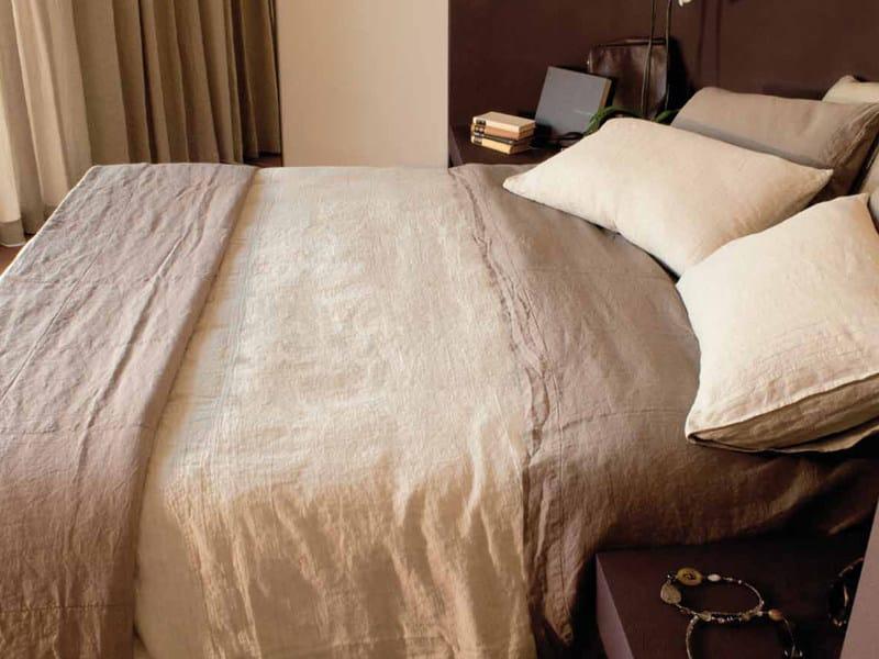 Solid-color linen bedding set RIPRESE&RIBATTUTE | Bedding set by LA FABBRICA DEL LINO