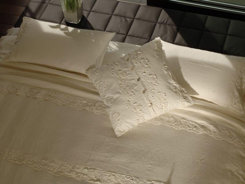Coordinato letto ricamato in lino petali coordinato letto la fabbrica del lino - La fabbrica del lino letto ...