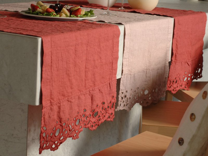 Linen Table runner CERCHI | Table runner by LA FABBRICA DEL LINO