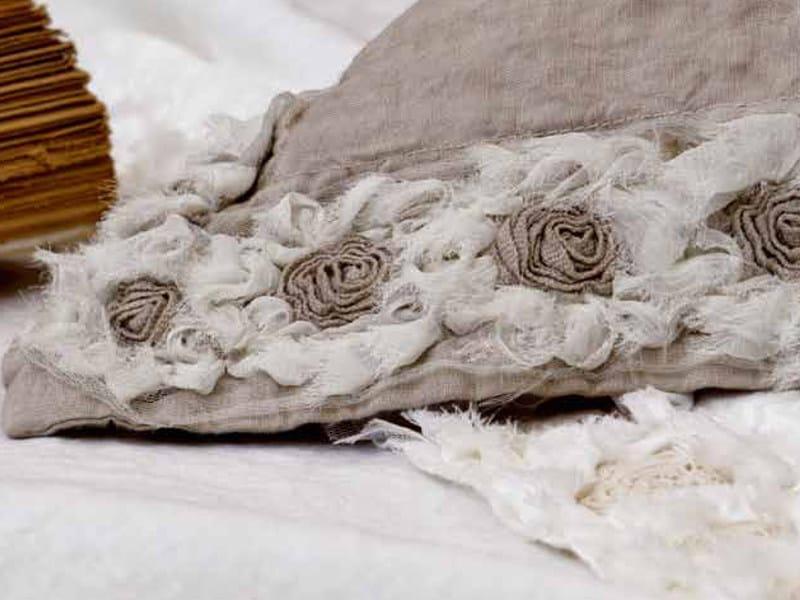 Coordinato letto ricamato in lino peonie coordinato - La fabbrica del lino letto ...