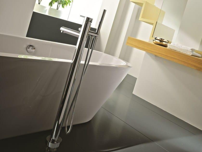 Floor standing bathtub mixer with hand shower EASY | Bathtub mixer - Gattoni Rubinetteria