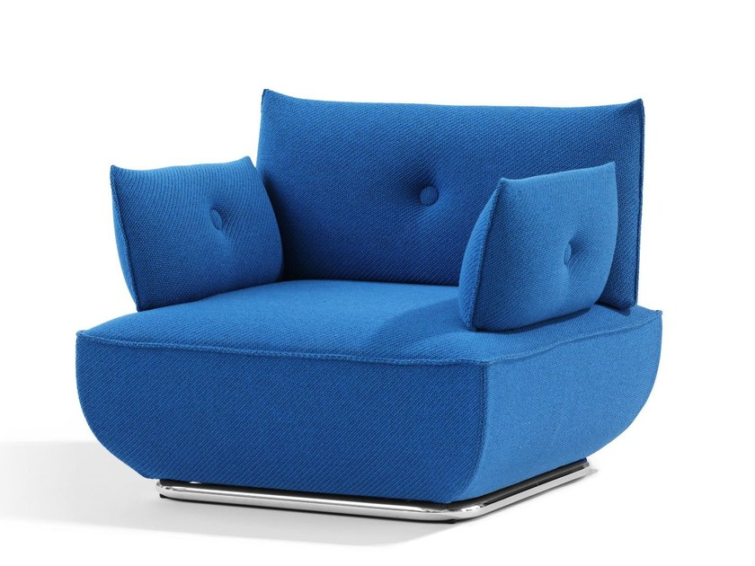 Upholstered armchair with armrests DUNDER | Armchair with armrests - Blå Station