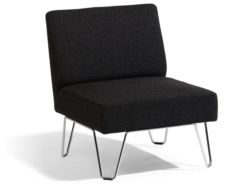 Upholstered armchair QVARTO | Armchair by Blå Station