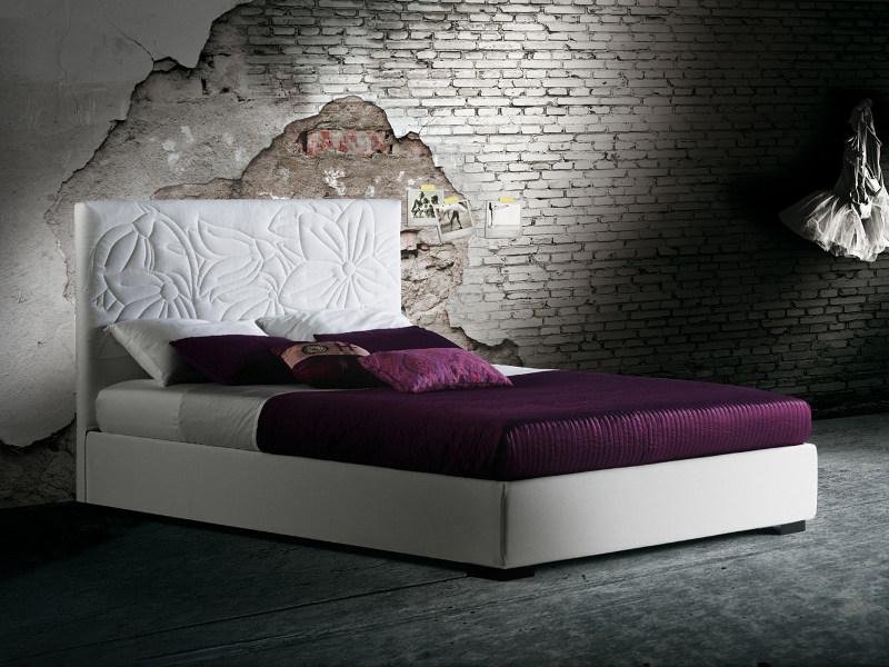 Double bed with high headboard MAURITIUS - Milano Bedding