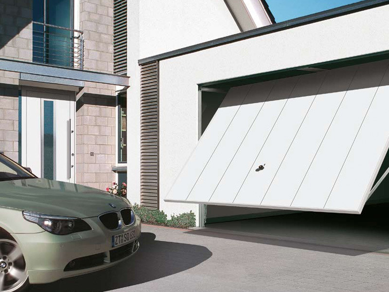 Up-and-over garage door BERRY N80 by HÖRMANN ITALIA