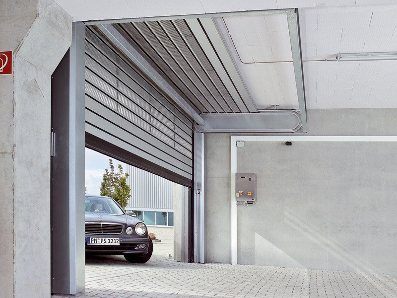 Roller garage door HSS 6530 | Roller garage door - HÖRMANN ITALIA