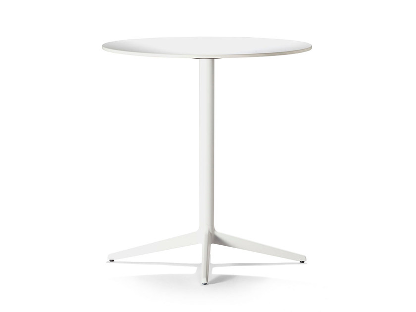 Cast iron table with 4-star base