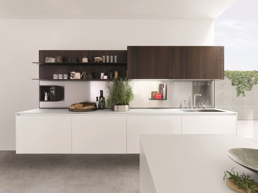 Wooden fitted kitchen KUBIC 1 by Euromobil
