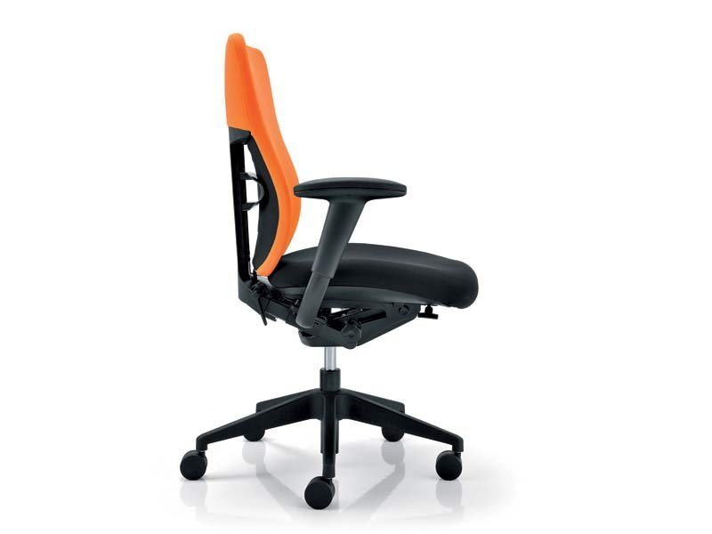 Ergonomic task chair with casters ELEMENTS | Task chair by MASCAGNI