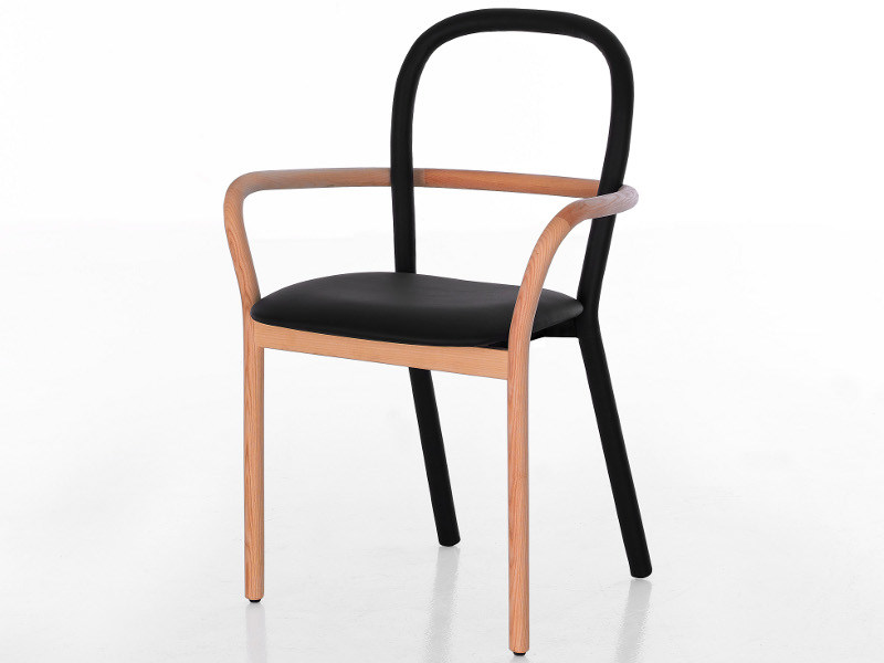 Wooden chair with armrests GENTLE - Porro