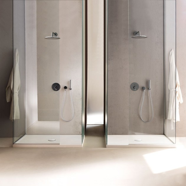 Piatto doccia antiscivolo in ceramica cinquanta h5 for Piatto doccia antiscivolo