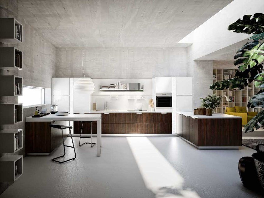 Lacquered fitted kitchen with peninsula LUX | Kitchen with peninsula by Snaidero