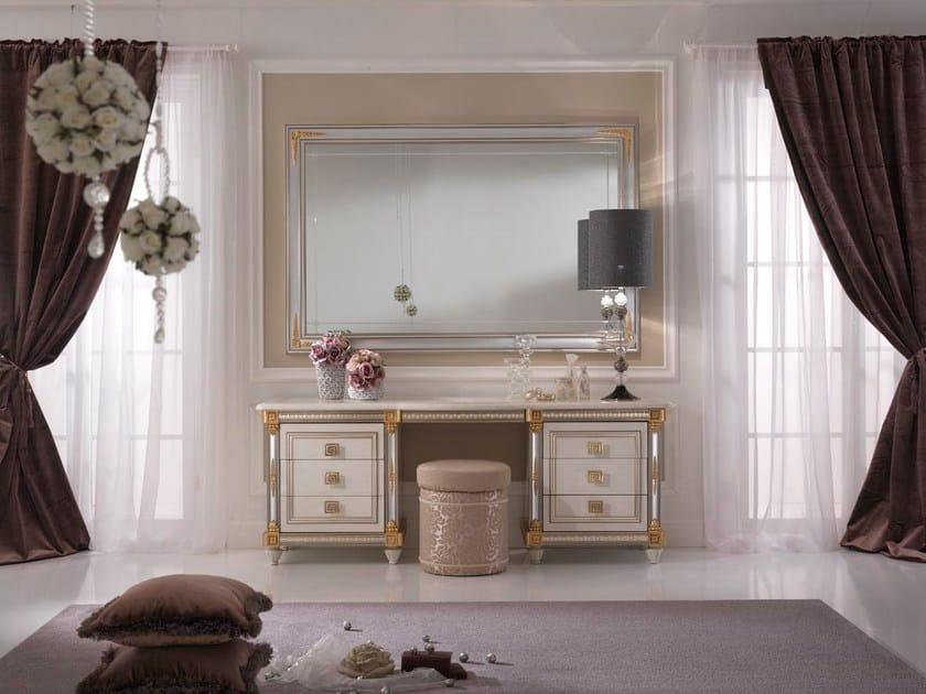 mobile toilette in legno in stile liberty liberty mobile. Black Bedroom Furniture Sets. Home Design Ideas